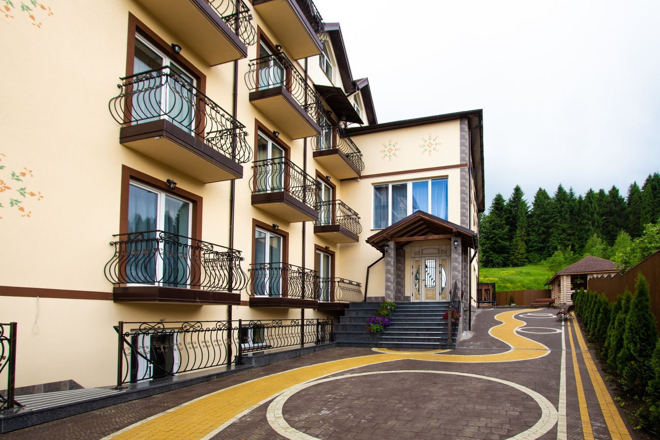 готель Поезія Мандрів